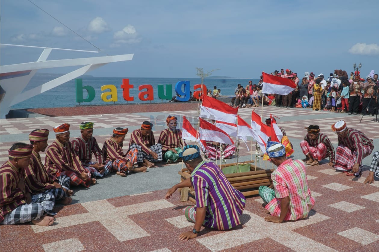 Ritual Larung Laut, Awali Pagelaran Buton Selatan Festival 2019 ...