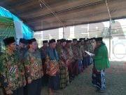 Ketua PWNU Sultra Drs KH Muslim, M.Si saat melantik Pengurus PCNU Kabupaten Kolaka Timur periode 2019-2024